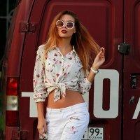 Walking in the Streets | Liliya Nazarova :: Liliya Nazarova