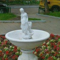 Девушка с..разбитым корытом. :: Alexey YakovLev