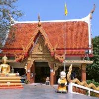 На холме Большого Будды в Паттайе :: Евгений Печенин