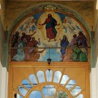 Вознесение Господне, роспись над западным входом в церковь. :: Александр Качалин