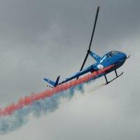 Пилотаж на R44, показательное выступление. :: Олег Чернов