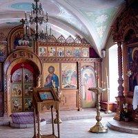 В  храме. :: Анатолий Круглов
