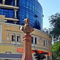 памятник Маразли :: Александр Корчемный