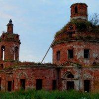 Заброшенная церковь :: jenia77 Миронюк Женя