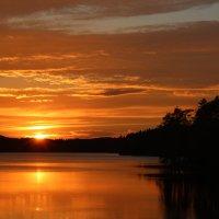 Закат на озере :: Влад В.