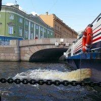 Заход под мост :: Андрей Михайлин