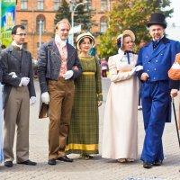 Кавалеры и дамы на празднике города Минска :: Светлана З