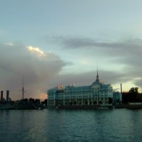 Река Нева и красивое вечернее небо. (Санкт-Петербург). :: Светлана Калмыкова