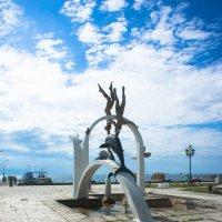 Скульптура на берегу :: Андрей Наумов