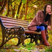 золотая осень всегда теплая когда любимый человек рядом... :: Евгений Ромащенко