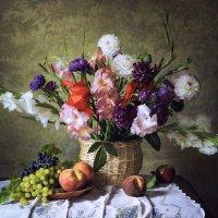 Натюрморт с корзиной осенних цветов :: Ирина Приходько