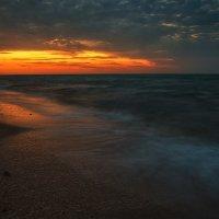 Рассвет на Золотом пляже. :: Andrei Dolzhenko