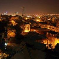 крыши ночного Тбилиси :: Лидия кутузова