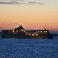 Паром Tallink уходит в ночь... :: Marina Pavlova