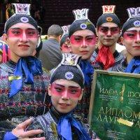 Артисты китайского цирка :: Евгений Кривошеев