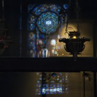 Светильник в церкви :: Наталья Щепетнова