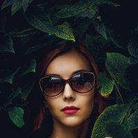 Портрет в листве :: Сергей Анатольевич