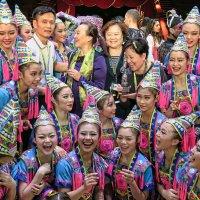 Артистки китайского цирка :: Евгений Кривошеев
