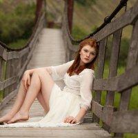 Девушка на мосту :: Kate Plotnik