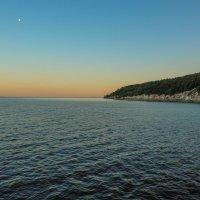 Берег реки на закате :: Сергей Тагиров