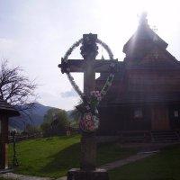 Старый  крест  в   Ворохте :: Андрей  Васильевич Коляскин