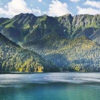 Озеро Рица :: Виктор Филиппов