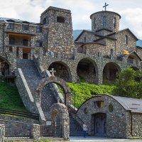 Кавказ, монастырь :: Юрий Поздников