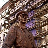 Самарская скульптура дядя Степа :: Евгений