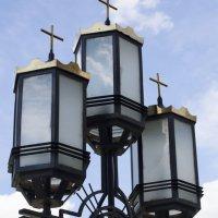 фонарь у храма :: Ольга Русакова