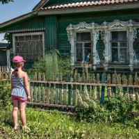 Старой кукле, конечно, ласки не хватает... :: Ирина Данилова