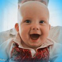 Смеющийся малыш :: Yelena LUCHitskaya