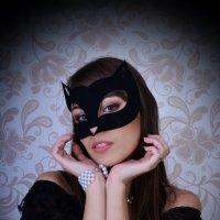Девушка-кошка :: Yelena LUCHitskaya