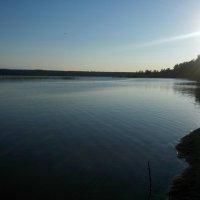 Романтичный вечер на берегу озера... :: Ольга Мореходова