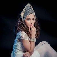 Девушка в кококшнике :: Наталья Мальцева