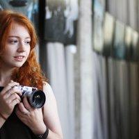 Красивая девушка, Все вокруг меня :: Александр Ляхнович