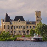 Восстановленный Шереметьевский замок на Волге :: Сергей Тагиров