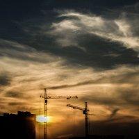 building crane :: Ivan Burchinskiy