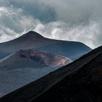 Потухший кратер.. :: Виктор Льготин