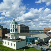 Старинные городские часы - одно из знаковых строений Галифакса (Канада) :: Юрий Поляков