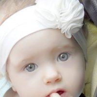 Маленькая принцеса замечталась :: максим