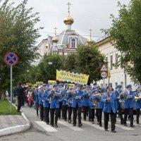 По главной улице с оркестром! :: Андрей Синицын
