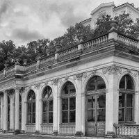 Павильон Мельничной колоннады :: Евгений Кривошеев
