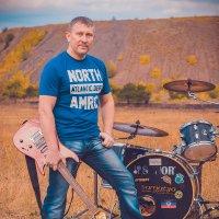 Фотосет рок группы  на фоне терриконов :: Игорь