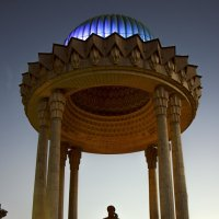 Памятник Алишеру Навои.Ташкент. :: Татьяна