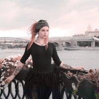 04 :: Tessa Caffrey