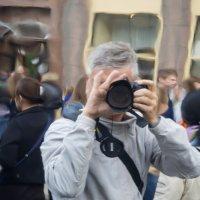 Автопортрет на фоне Дня города. Москва. Тверская. :: Олег Пученков