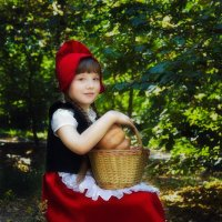 Красная шапочка :: Ксения