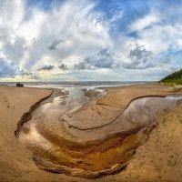 Река на пляже Финского залива. :: Фёдор. Лашков
