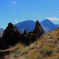 Камни и скалы Эльбруса.Гора Каракая (Скалистая), высота вершины 3350 м. :: Vladimir 070549