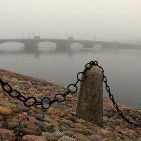 Мост,река и туман. :: Владимир Гилясев